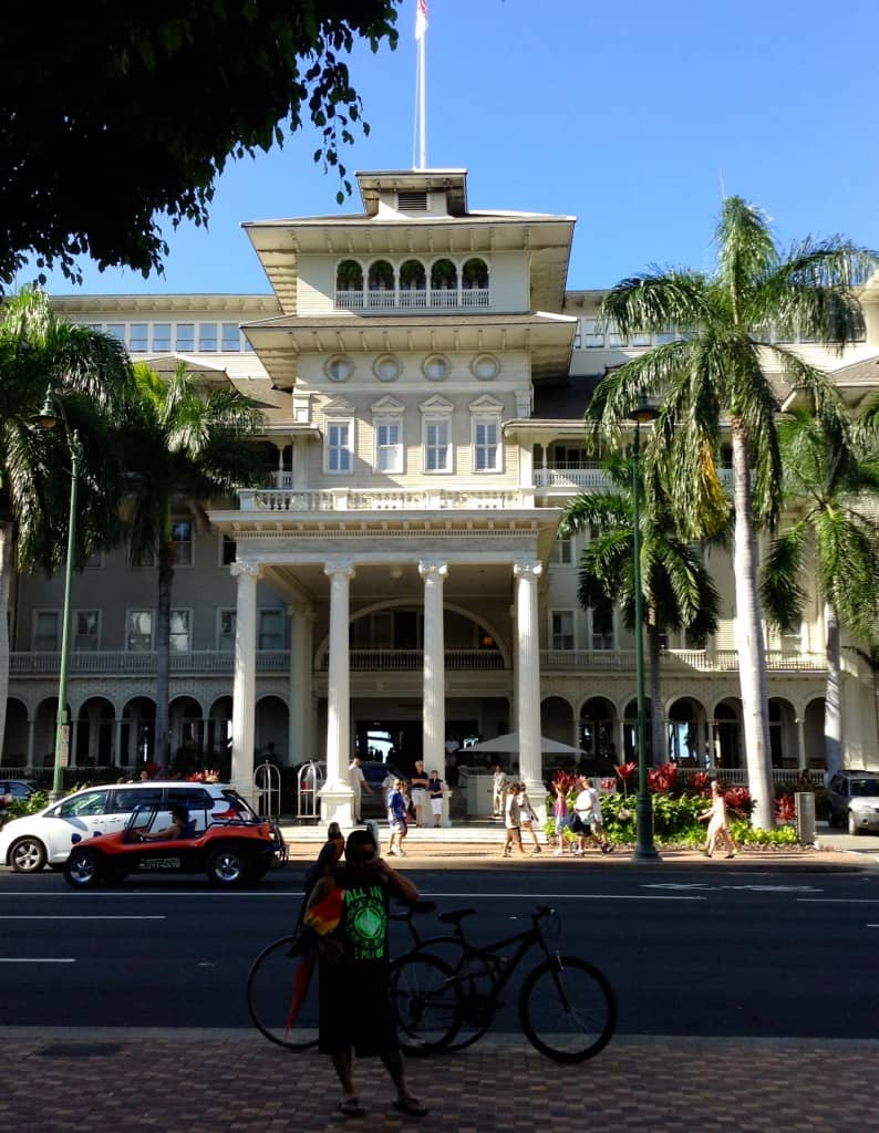 The Moana Surfrider Hotel fronts onto Kalakaua Avenue.