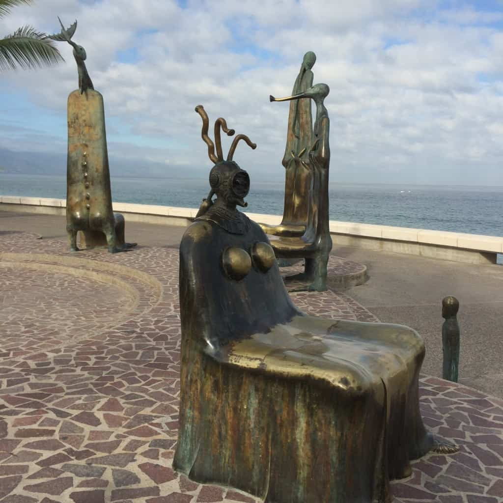bronze-sculptures-of-the-malecon